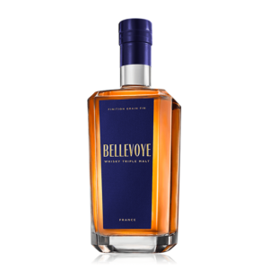 Špičková francúzska whisky Bellevoye Bleu Triple Malt spoločnosti Les Bienheureux