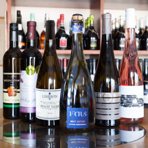 Balik slovenskych vin biele, cervene, ruzove, sekt